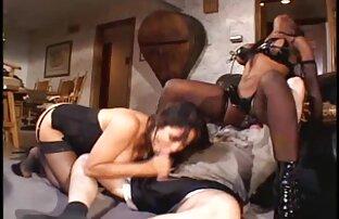 A Ruri Kouda Sexy adora pilas bem no vídeo pornô de lésbica novinha fundo do seu cabelo