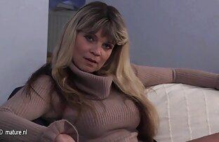 A Abigail transforma a sessão de exercício pornô entre lésbicas numa sessão de sexo.