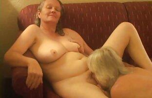 Alea Love dá um video de sexo lesb POV BJ