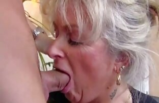 A magricela Alice filme pornô lésbico brasileiro Marques masturba-se e mete-se na banheira
