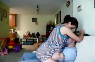 Shemale De Busty Com Uma sexo lesbico no sofa Pila Enorme