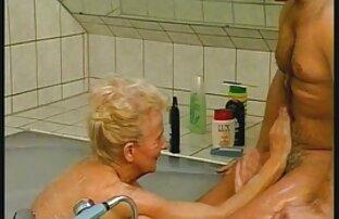 Uma mulher sexo brasileiro lésbicas mais velha significa diversão parte 89