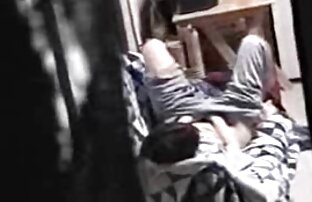 O vídeos lésbicas sexo jovem recebe o BJ e a punheta da ruiva.