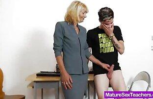 A mulher branca sapatonas gozando adora a BBC Inter-racial.