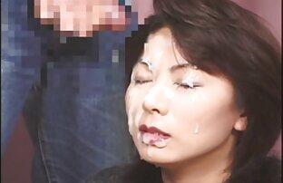 O rabo esticado à volta da lésbicas vídeo pornô BBC
