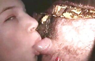 A Bobbie De Cabelo Curto A Meter O Dedo Na Sua Cona Peluda lesbicas cheias de tesao