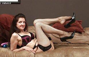 A loira excitada quer foder uma posição video porno lesbicas gostosas de cão