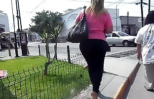 Pintainho Branco chupando buceta lésbica Espesso De Ébano A Partilhar Uma Pila Enorme