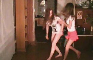 Um Adolescente Giro A video porno de sapatona Foder Três Velhos