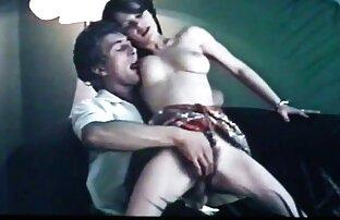 Shemale loura quero ver duas mulheres se chupando Sexy brinca com uma Pila enorme