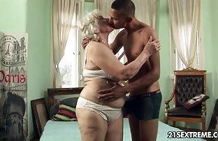 Total video lesbica chupando buceta não cortado