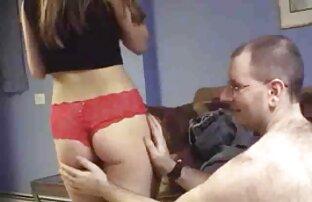 O gajo fode o babe durante um ensaio videos de lesbicas se pegando