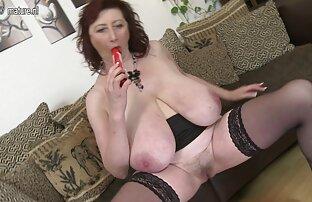 A Linda Babe SweetBel Adora Brinquedos lesbicas chupando e gozando No Seu Pus